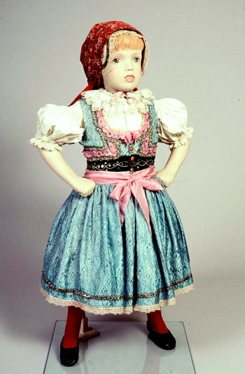 Czechoslovak traditional child's costume (kroj) from the village of Malenovice from 1932-3.