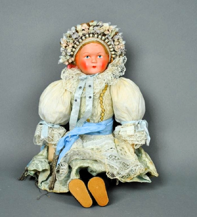 Old doll from Moravia from the late 1920s.