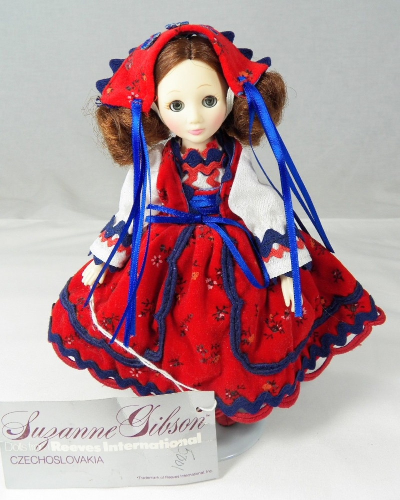 Suzanne Gibson Limited Edition Czech Republic doll from 1986.