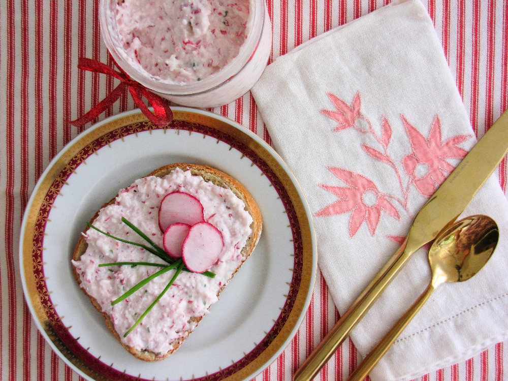radish-and-cheese-spread-tres-bohemes-1