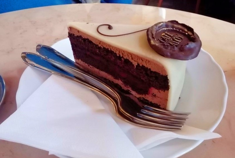 cafe-savoy-6