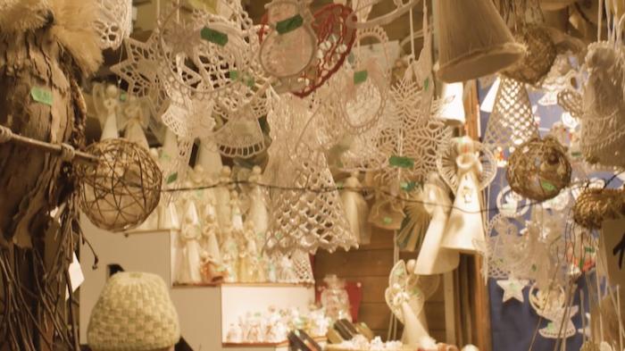 christmas-market-stalls-tres-bohemes