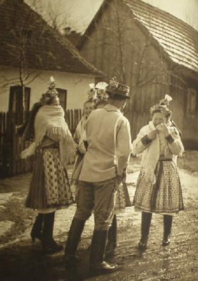 czech-folk-costumes-culture-javornik-7