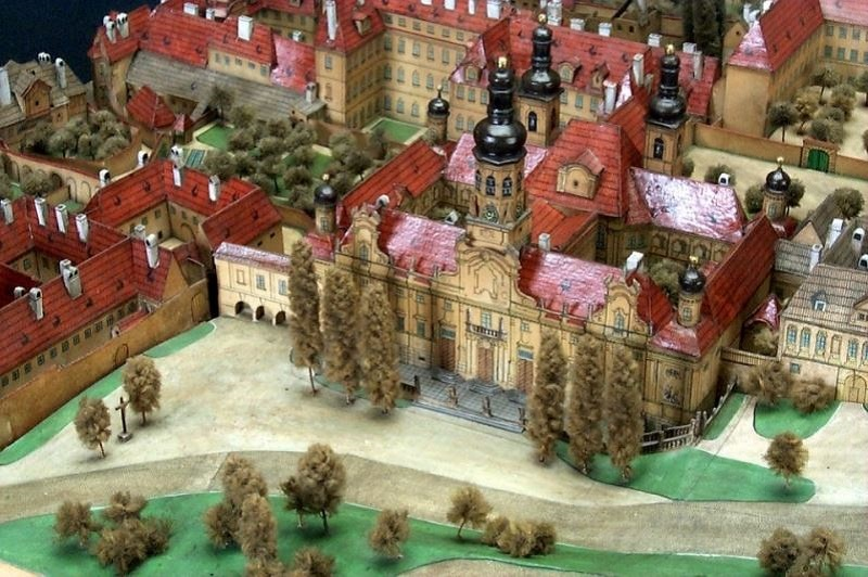 paper-models-of-prague-7