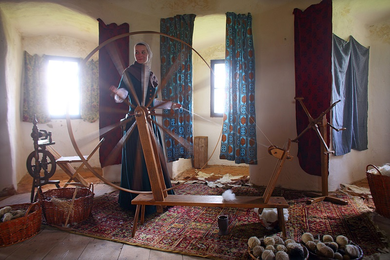 traditional-crafts-at-the-castle-selmberk-5