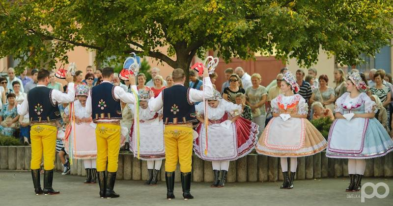 106-the-hody-folk-festival-of-velke-bilovice-tres-bohemes