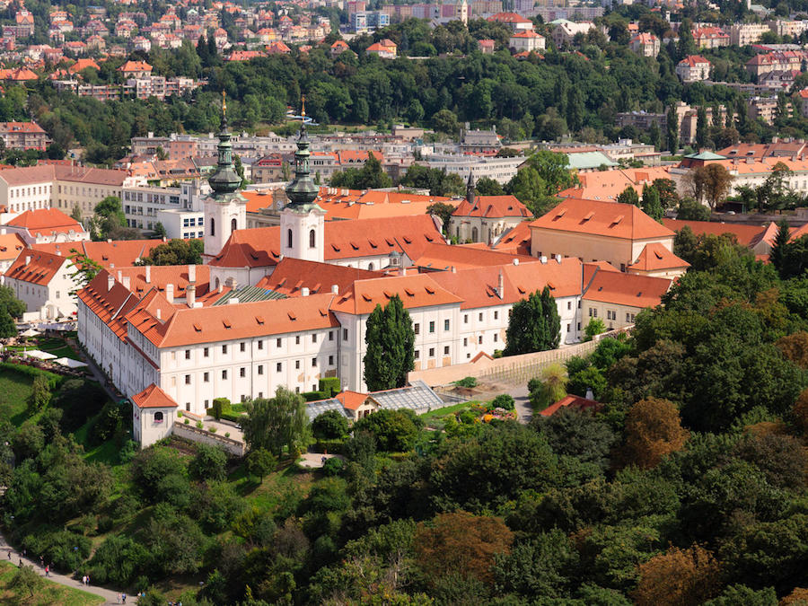Strahov_Monastery-Tres-Bohemes-5