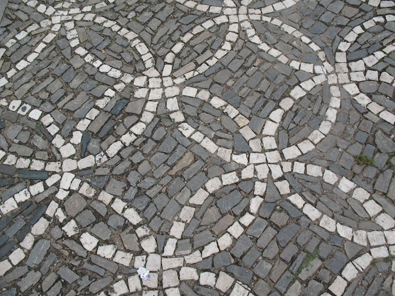 The-Cobblestone-Streets-of-Prague-Tres-Bohemes-5