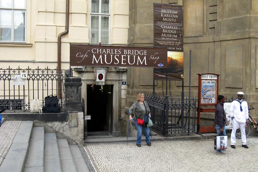 Charles-Bridge-Museum-Tres-Bohemes-8