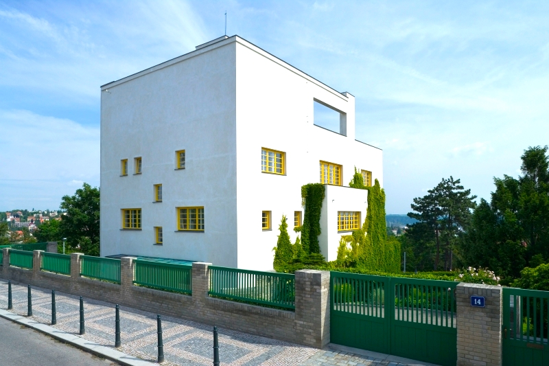 The-Prague-Villa-That-Became-a-Landmark-of-Modern-Architecture-Tres-Bohemes-2