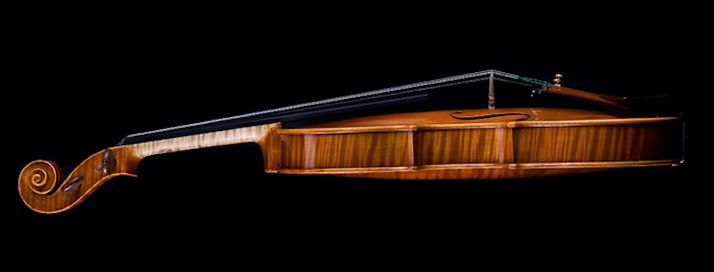 The-Violin-Makers-of-Luby-Tres-Bohemes-8
