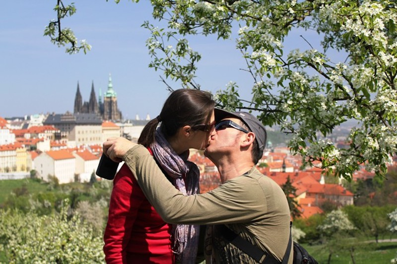 Celebrating-May-1st-in-Prague-Tres-Bohemes-4