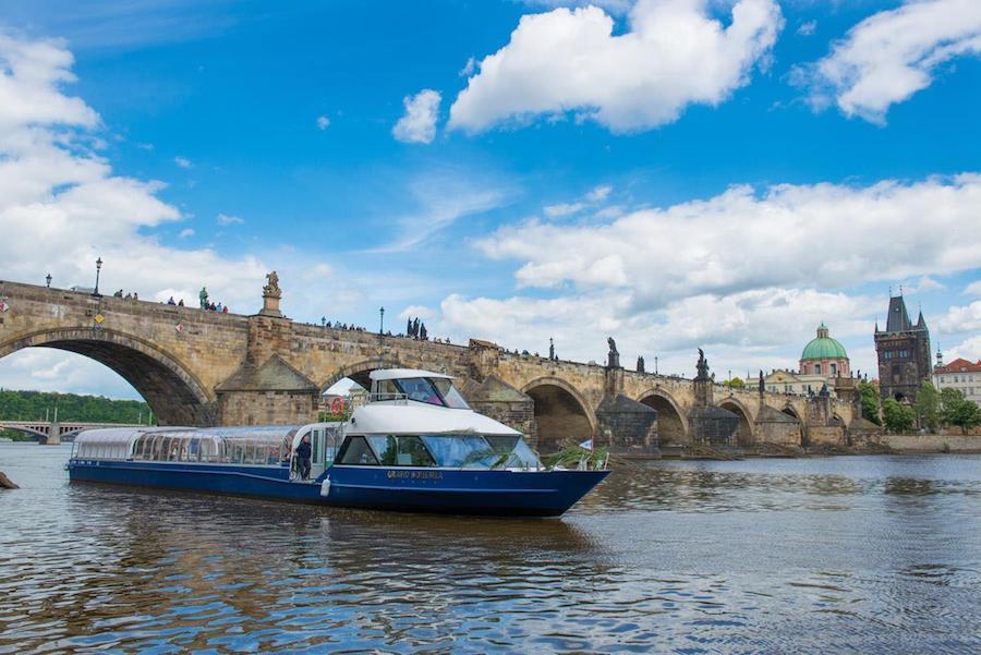 Grand-Bohemia-Boat-Tres-Bohemes-4
