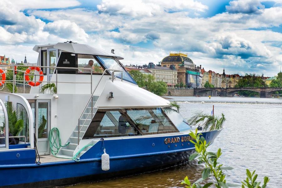 Grand-Bohemia-Boat-Tres-Bohemes-5