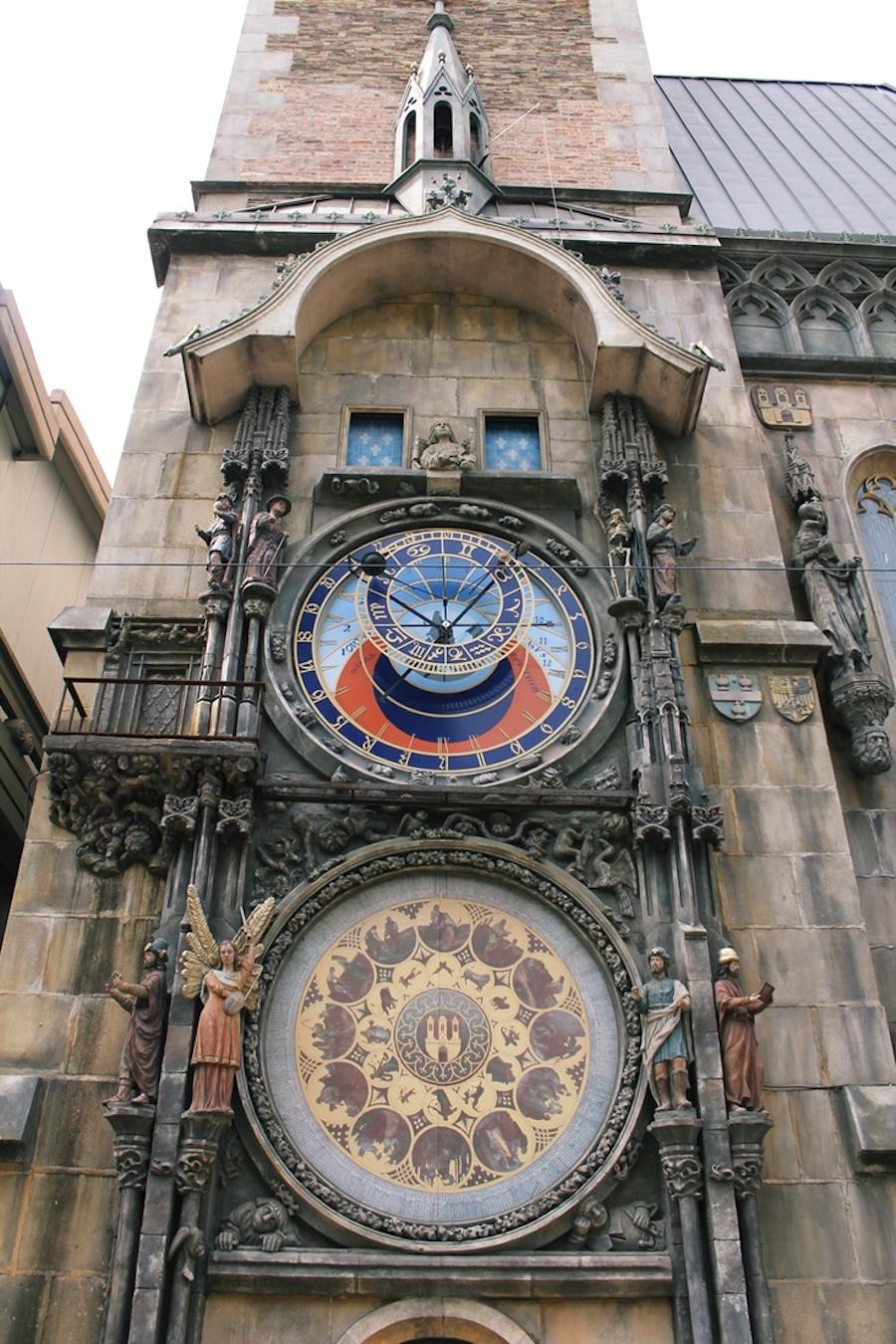 Orloj-Korea-Tres-Bohemes-2