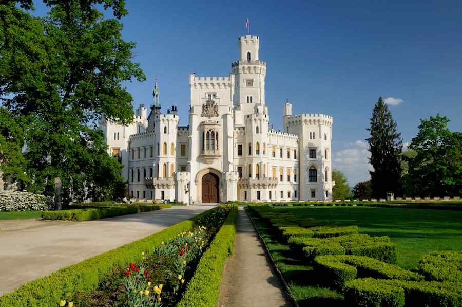 Hluboka-Castle-Tres-Bohemes-3