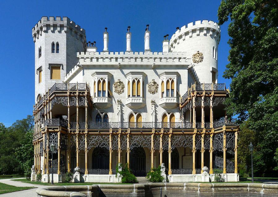 Hluboka-Castle-Tres-Bohemes-9