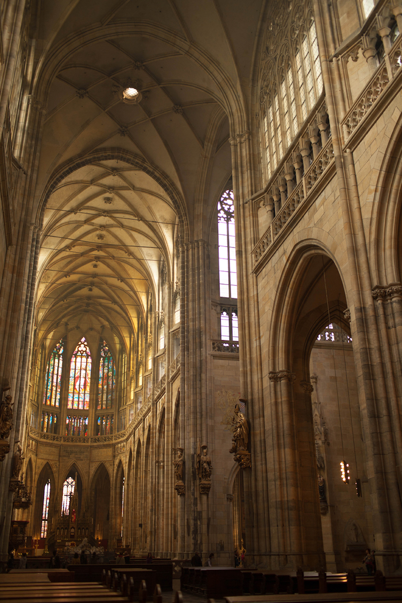St-Vitus-Cathedral-Nave-Tres-Bohemes