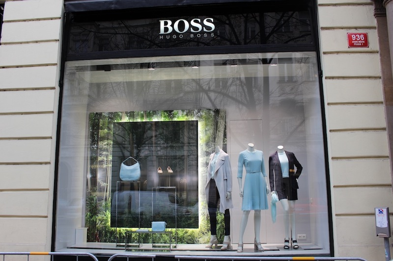 Hugo-Boss-Woman-Tres-Bohemes