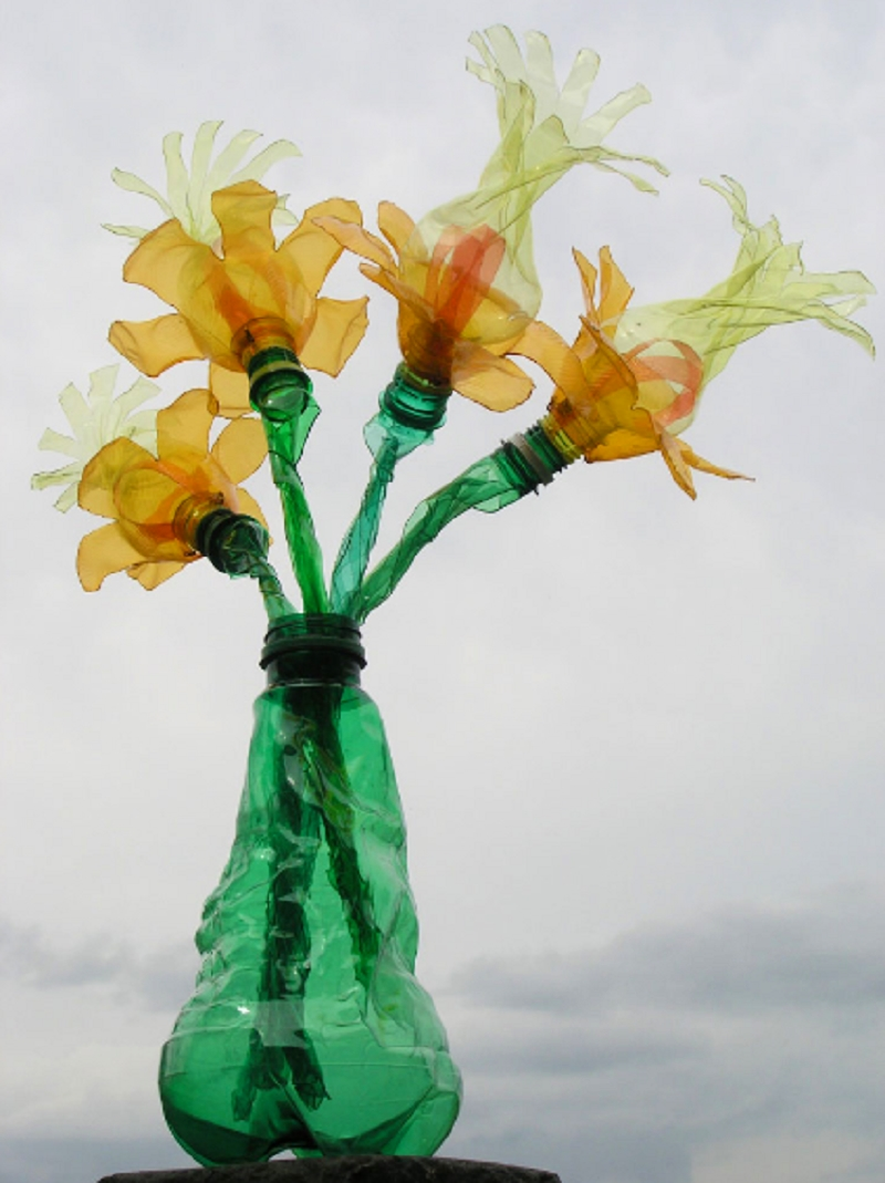 Wonderful recycled bottle sculptures of czech artist for Art made from plastic bottles