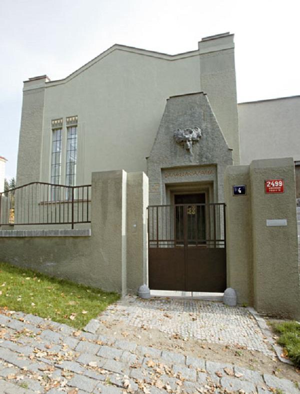 Šaloun's Villa or Šalounova Vila