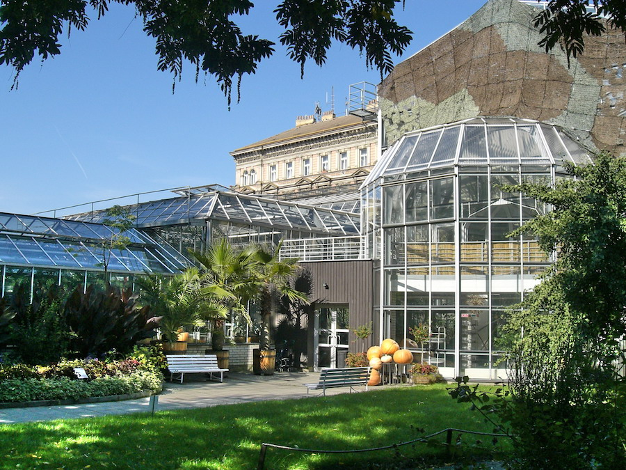 Charles-University-Botanical-Garden-Tres-Bohemes-2