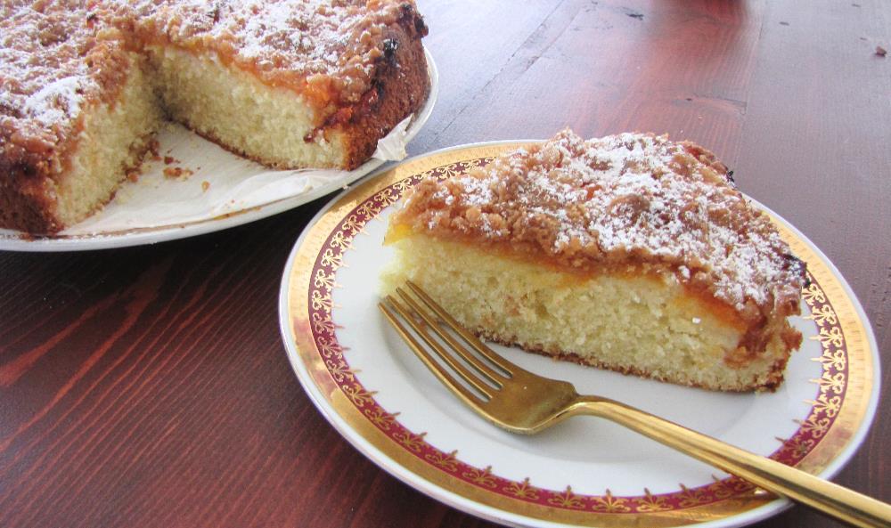 Apricot-Crumble-Cake-TresBohemes