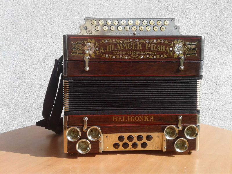 The Czech and Slovak Heligonka Instrument