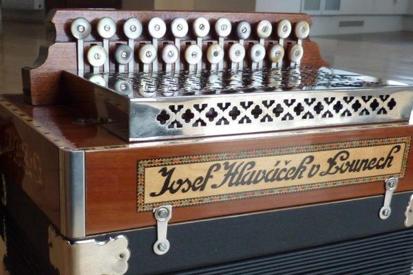 The Czech and Slovak Heligonka Instrument
