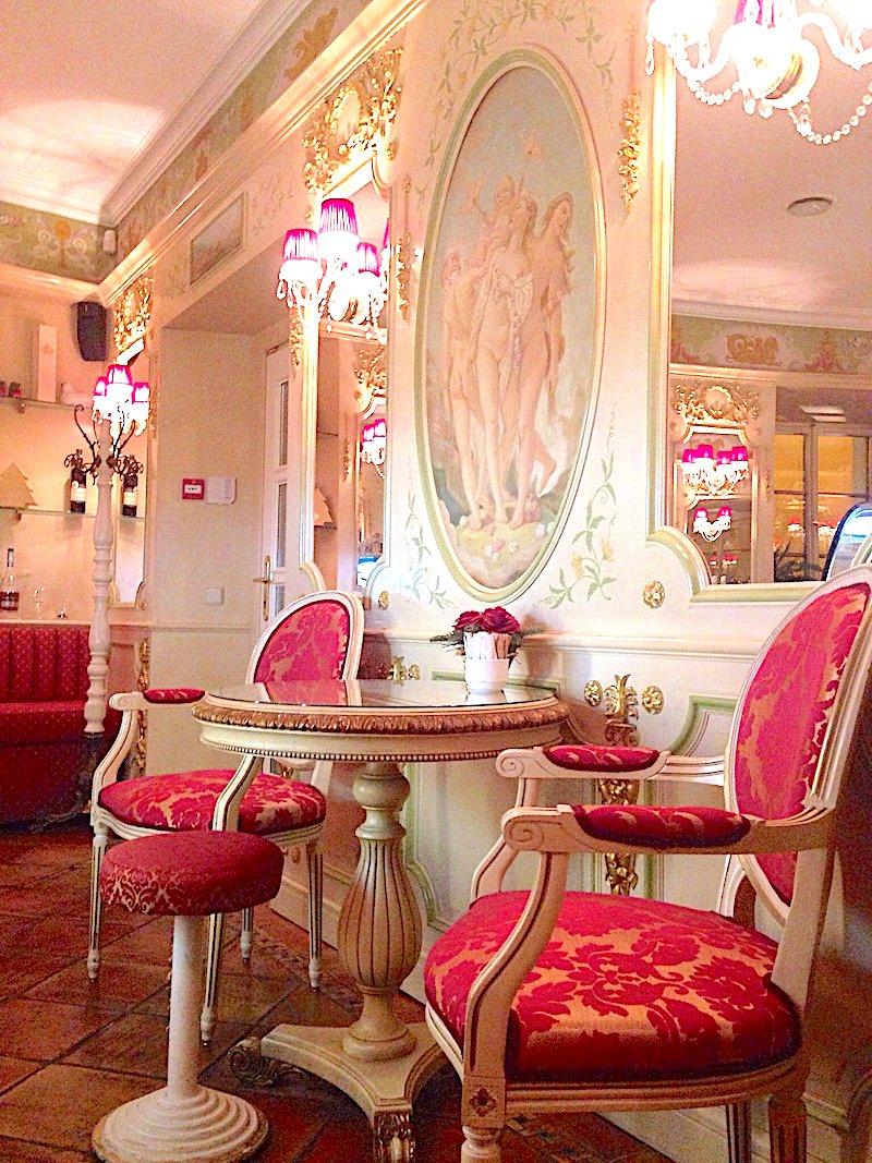 The-Barocco-Vaneziano-Café-Tres-Bohemes-6