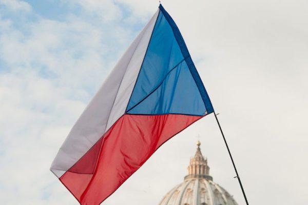 The-Origin-and-Evolution-of-the-Czech-Flag-Tres-Bohemes-
