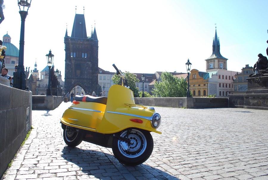 Čezeta-Scooter-Tres-Bohemes-3