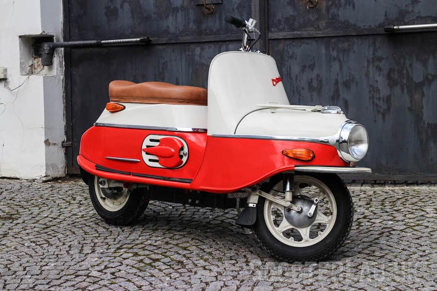 Čezeta-Scooter-Tres-Bohemes-8