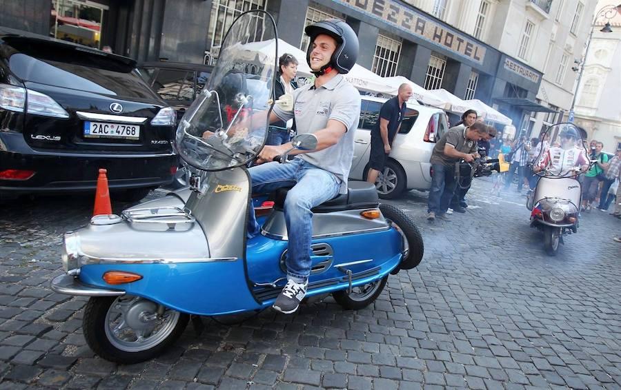 Čezeta-Scooter-Tres-Bohemes-9