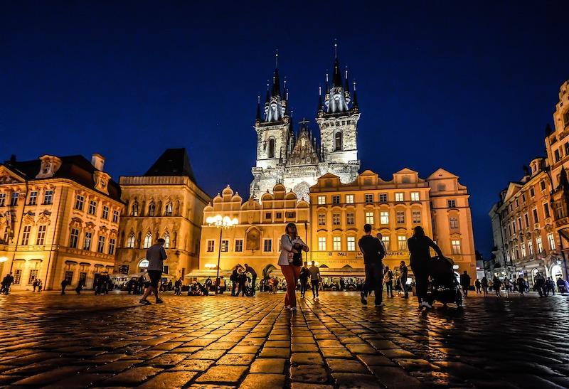 Midnight-In-Prague-Tres-Bohemes-19