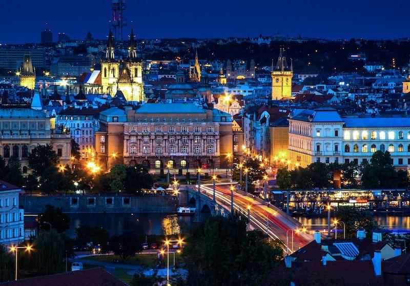Midnight-In-Prague-Tres-Bohemes-2