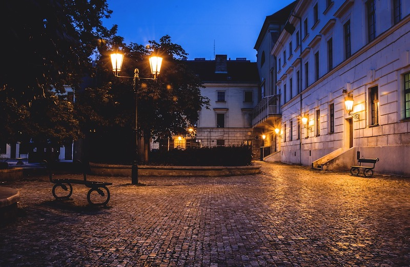 Midnight-In-Prague-Tres-Bohemes-7