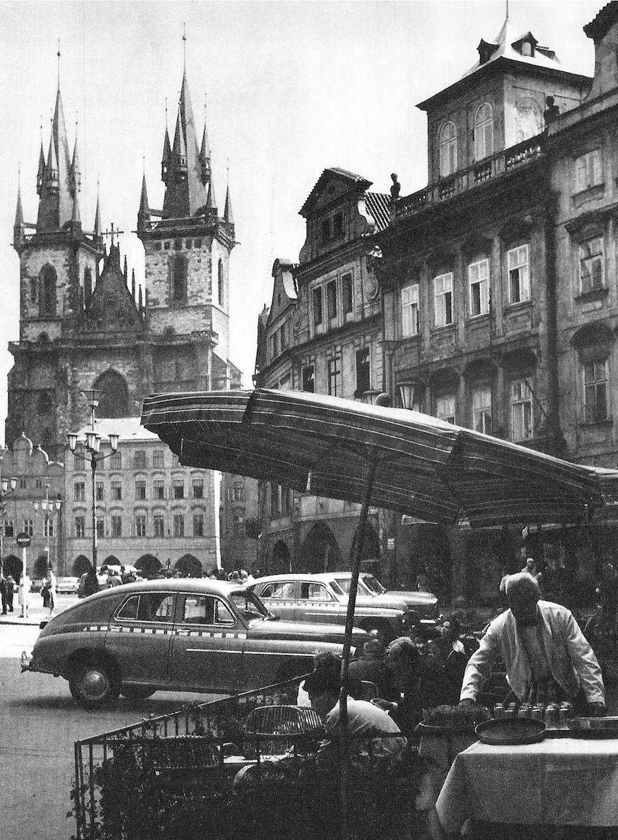 Prague-in-Monochrome-Tres-Bohemes-4