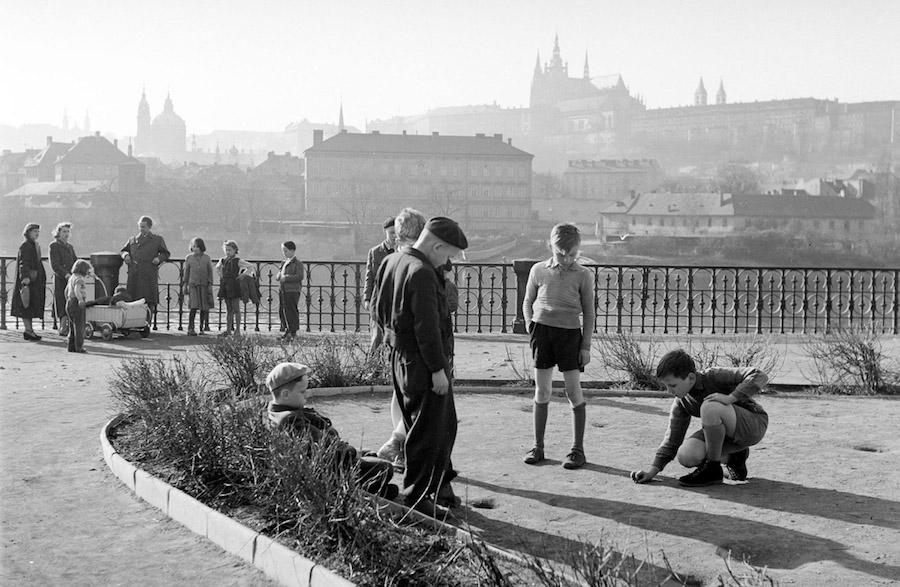 Prague-in-Monochrome-Tres-Bohemes-5