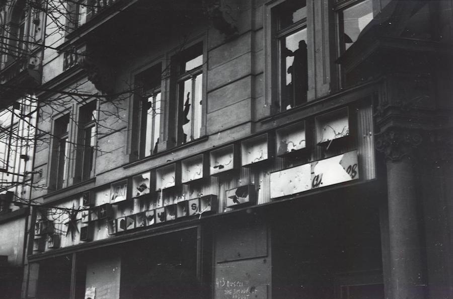Prague-in-Monochrome-Tres-Bohemes-6