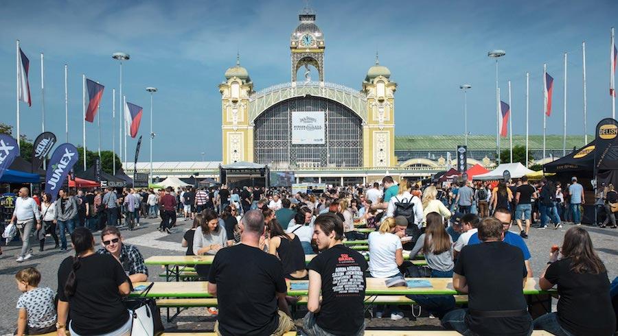Burgerfest-Prague-Tres-Bohemes-4