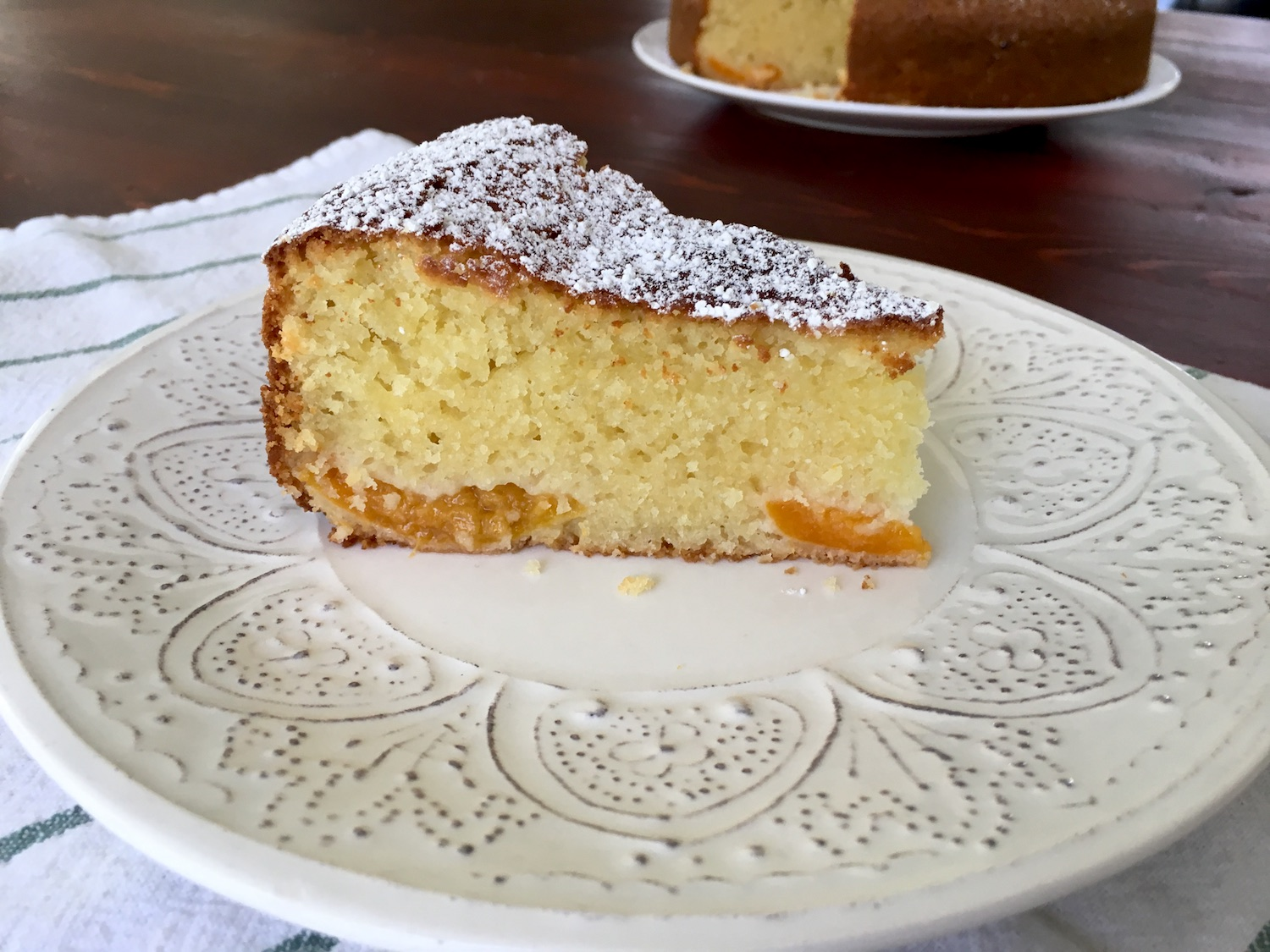 Fluffy-Vanilla-Bábovka-with-Apricots-Tres-Bohemes-11
