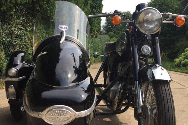 Jawa 350TS with Velorex sidecar