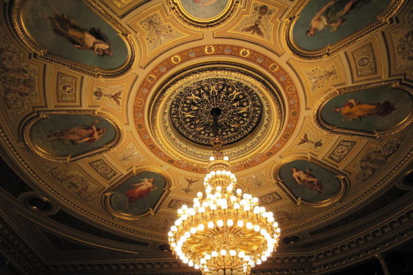 The-Story-Behind-the-Ceiling-of-the-National-Theater-Tres-Bohemes-2