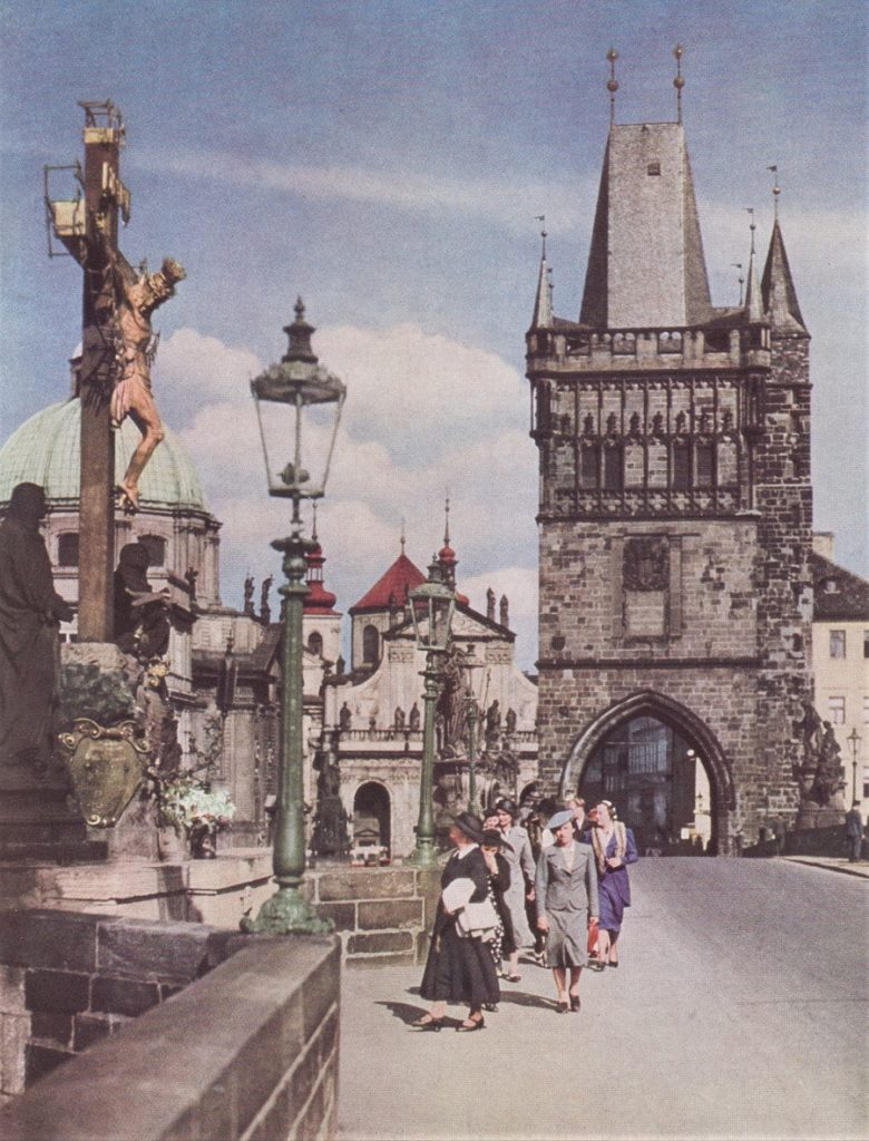 AN ALFRESCO MUSEUM OF HOLY STATUARY LINES CHARLES BRIDGE IN PRAHA.