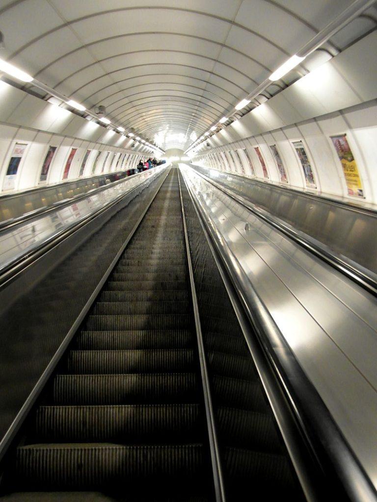 Prague Subway Guide for Tourists