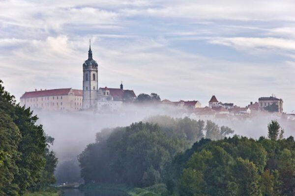 Mělník-Castle-The-First-Vineyard-in-Bohemia-Everything-Czech-by-Tresbohemes-1